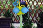 Миньон на стойке из воздушных шаров